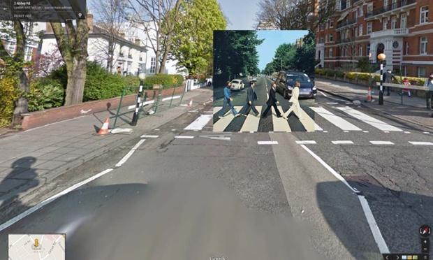 Abbey Road por Los Beatles, tomada en el cruce peatonal de los estudios Abbey Road en Londrés.